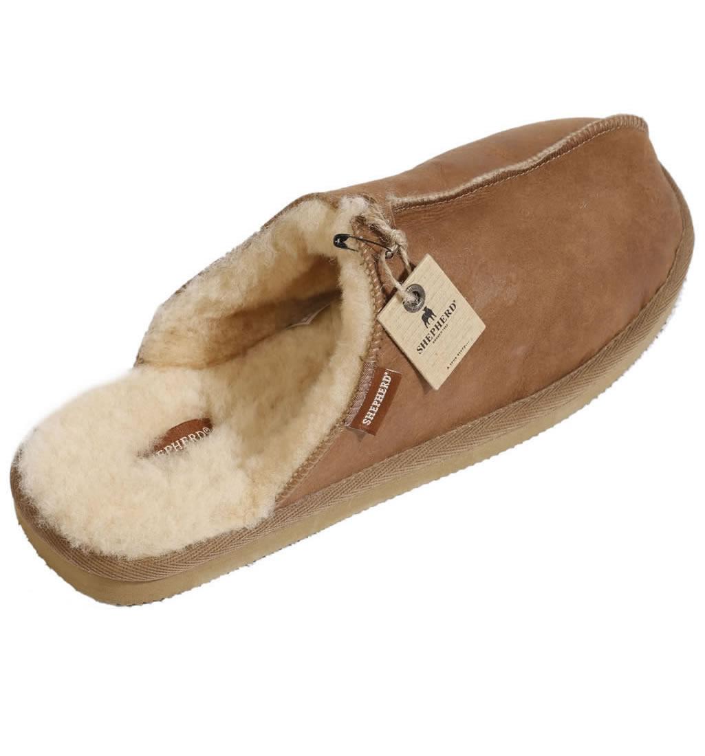 94aea9238951 Shepherd Hugo Gents Scuff-Style Sheepskin Mule Slipper from Simons ...